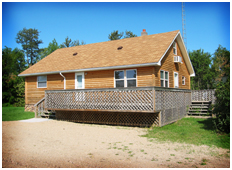 The cabin greater minnesota rental upper red lake for Red lake fish house rentals